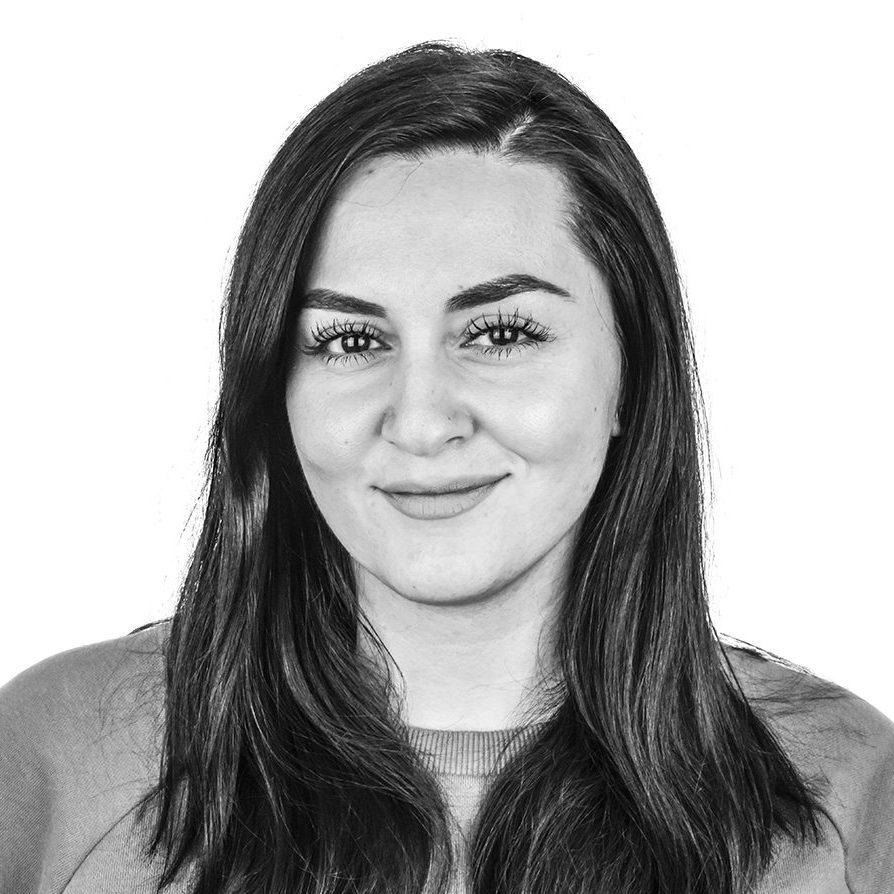 Buket Argüden - Social Media Assistant