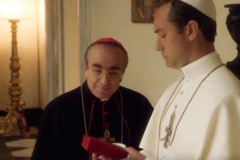 the-young-pope-vaping-scene