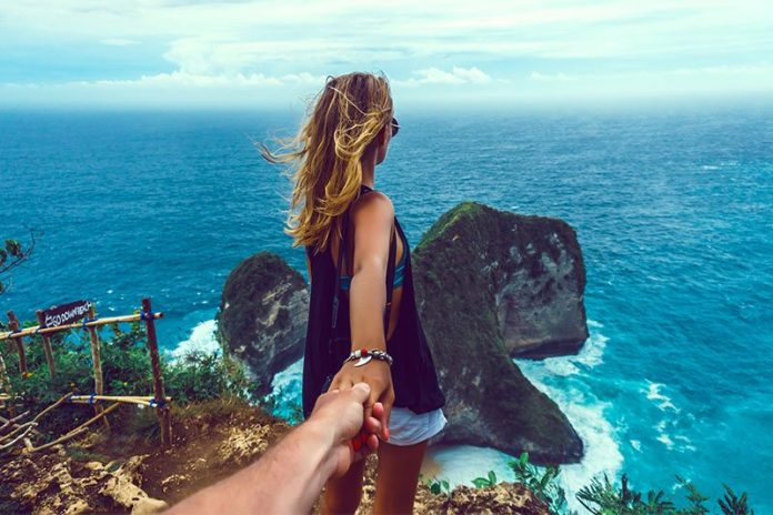 love-island-vaping
