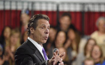 New-York-governor-signs-the-vaping-ban