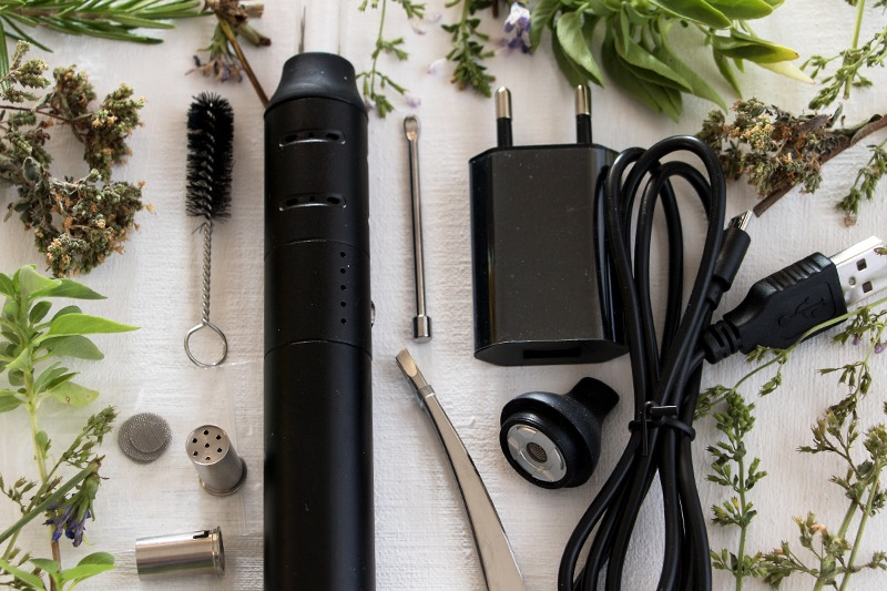 20 Legal Herbs You Can Vaporize for Aromatherapy