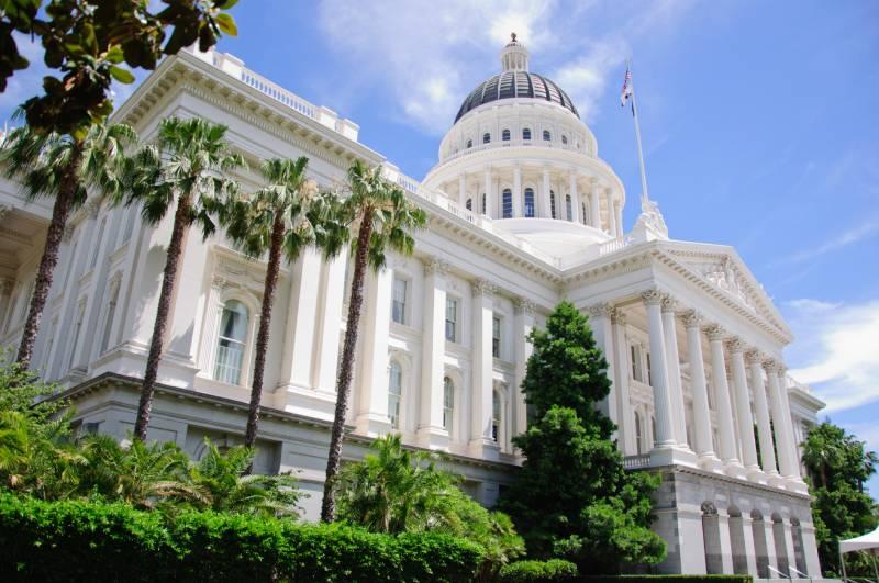 California Political Leaders Introduce Punishing Vape Legislation